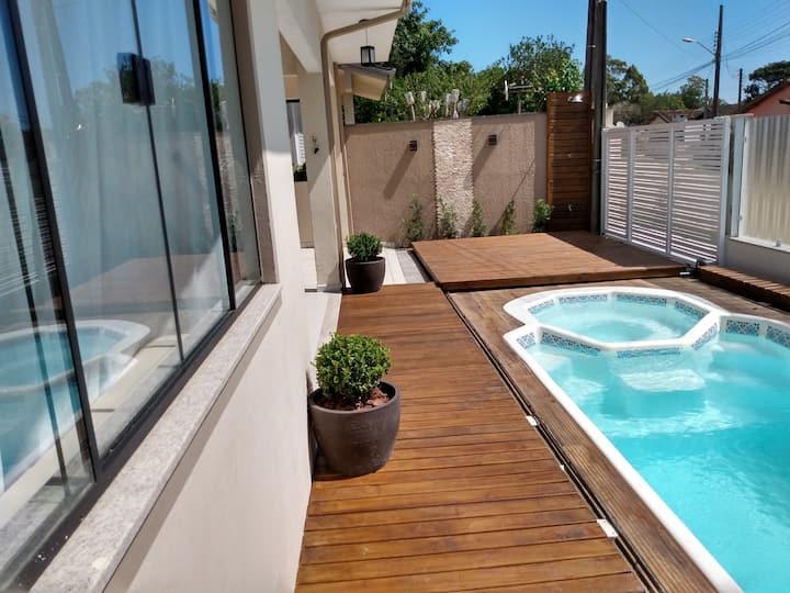 Casa com piscina em  Bombinhas