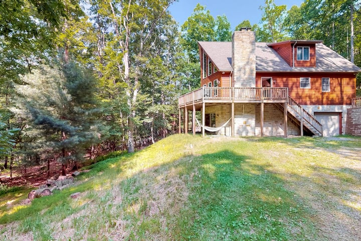 New listing! Quiet home w/ hot tub, fireplace, Ping-Pong, foosball & free WiFi!