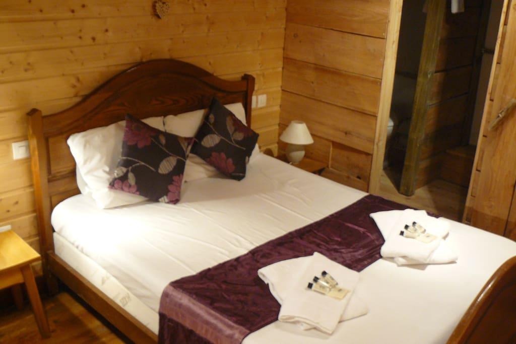 Polar bear bedroom