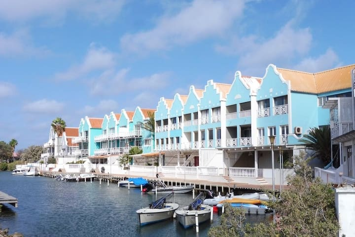 Blue View Breezy Bonaire; spacious top floor 1bdrm - Kralendijk - Osakehuoneisto