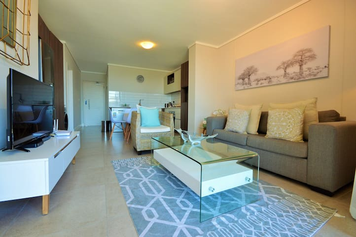Waters Edge 105 - Two Bedroom Apartment