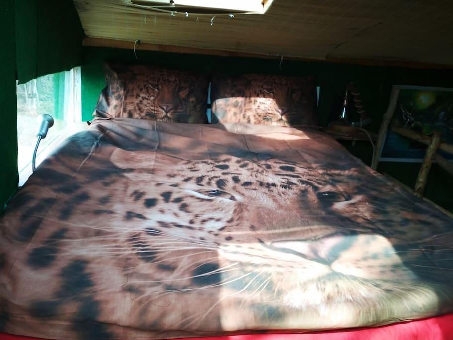 upstairs bedroom -Tree house Ramona
