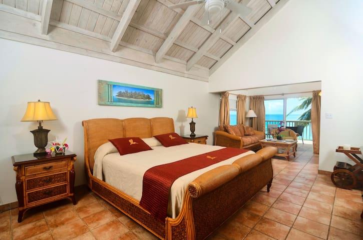 Beachfront 1-bedroom Suite - Long Bay - Condominium