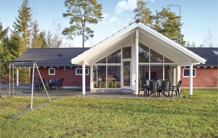 Holiday cottage with 5 bedrooms on 160m² in Köpingsvik