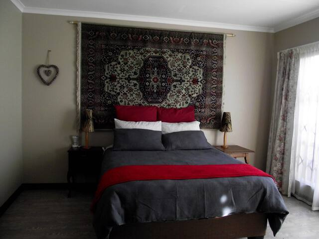 Jasmine Corner - spacious self catering unit - Alberton - Apartment