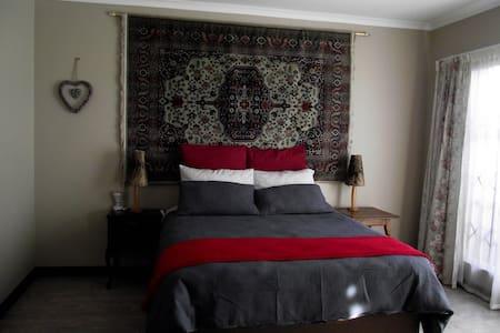 Jasmine Corner - spacious self catering unit - Alberton - Wohnung