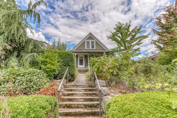 New listing! Historic, family friendly home w/ full kitchen, WiFi & garden!