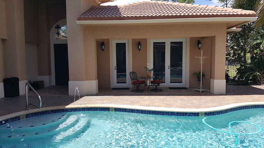 Cozy Guest House for 2 - Quiet Country Oasis - Loxahatchee - Pension