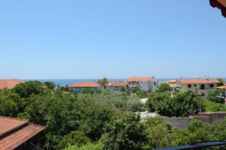Sunny, recently renovated, with marvelous view! - Kalo Nero