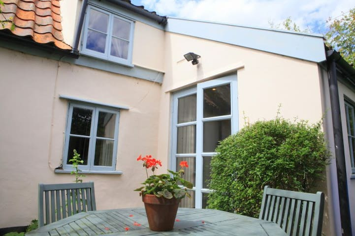 Traditional Suffolk Cottage - Blaxhall - Casa