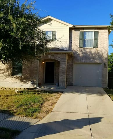 Entire house (near Lackland AFB BMT & Sea World)