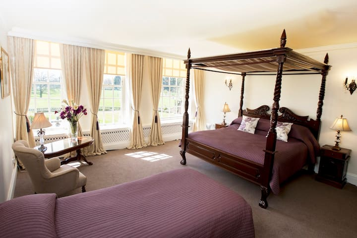 Private room located in stunning mansion house