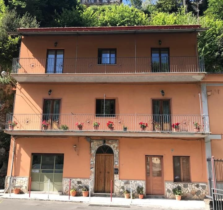 B&B40 steps Vico Equense, private floor (6 people)
