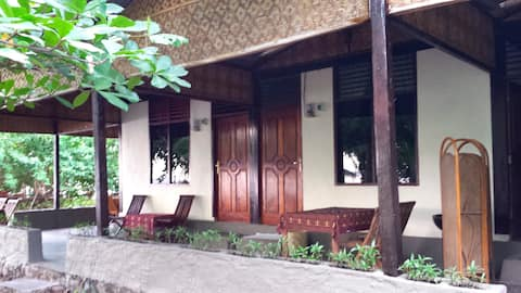 The Family Room - Pantai Paris Homestay - Maumere
