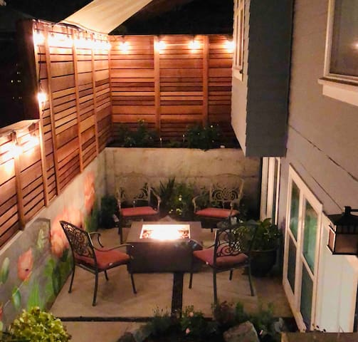 Private Courtyard/Fire Pit - Alberta Arts District