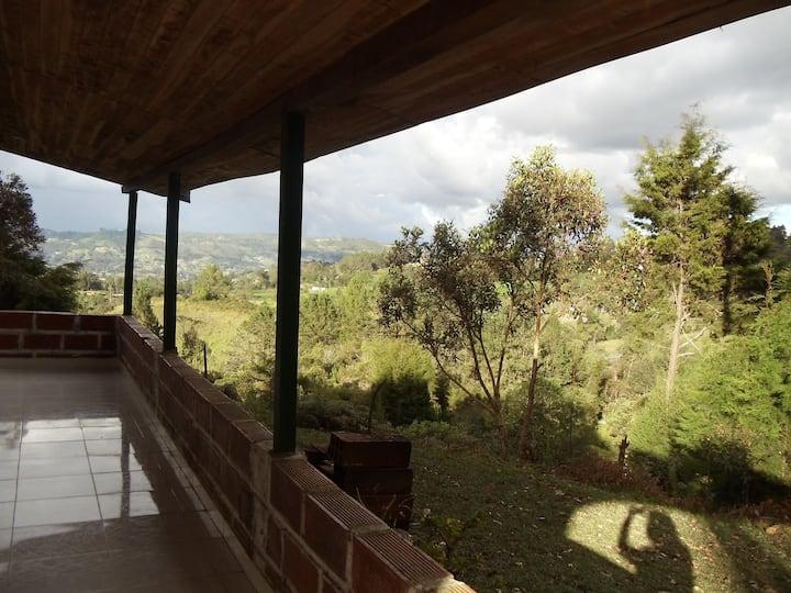 Beautiful finca in Santa Elena-Parque Arvi