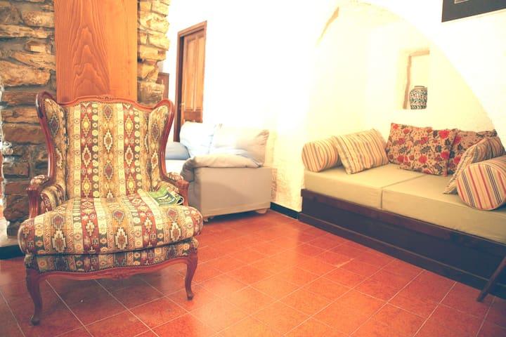 Tavernetta a Costarainera, centro paese