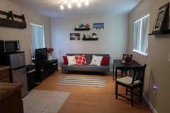 Cozy+suite+in+the+heart+of+quaint+Merritt+Island