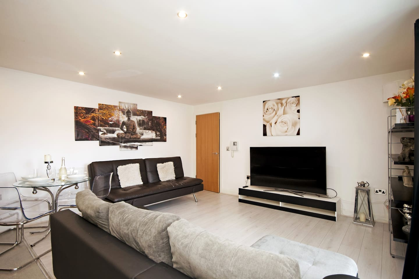 NEWLY REFURBISHED! Brand New 65 inch top of the range LG 4K Television with new Italian imported sofas, laminate flooring, new carpets throughout, Divan beds and high luxury memory foam mattresses