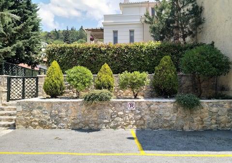 Διαμέρισμα 56 τ.μ. με κήπο 200 τ.μ.
