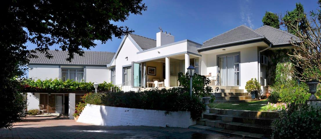 Alba House 4* B&B-Winelands, Paarl, Western Cape
