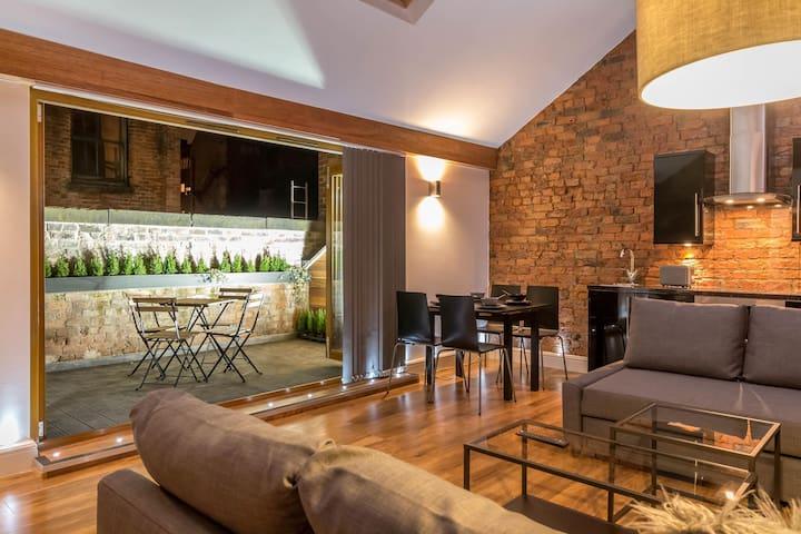Eleska 1 - balcony and hot tub - Manchester - Apartemen