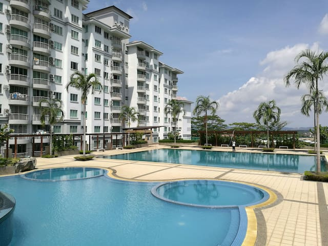 3BR CONDO near Major Shopping Malls