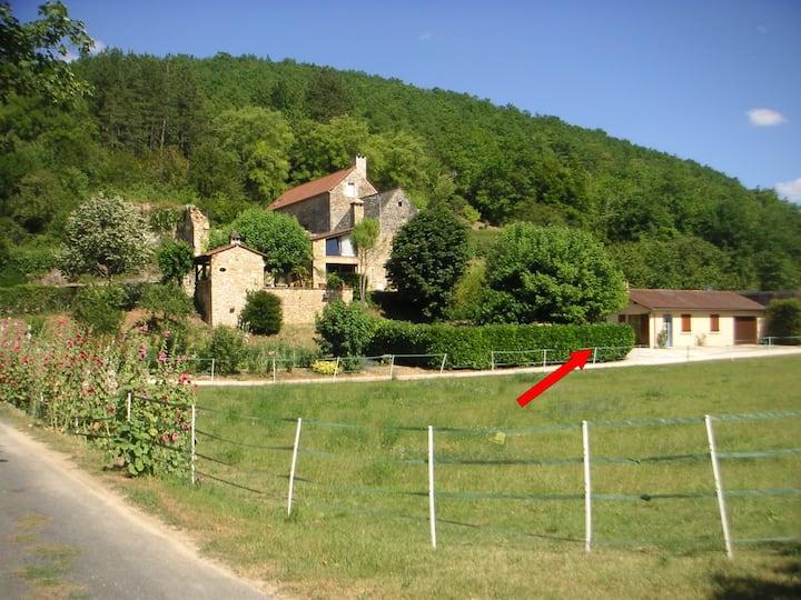 Maison en Périgord noir avec piscine
