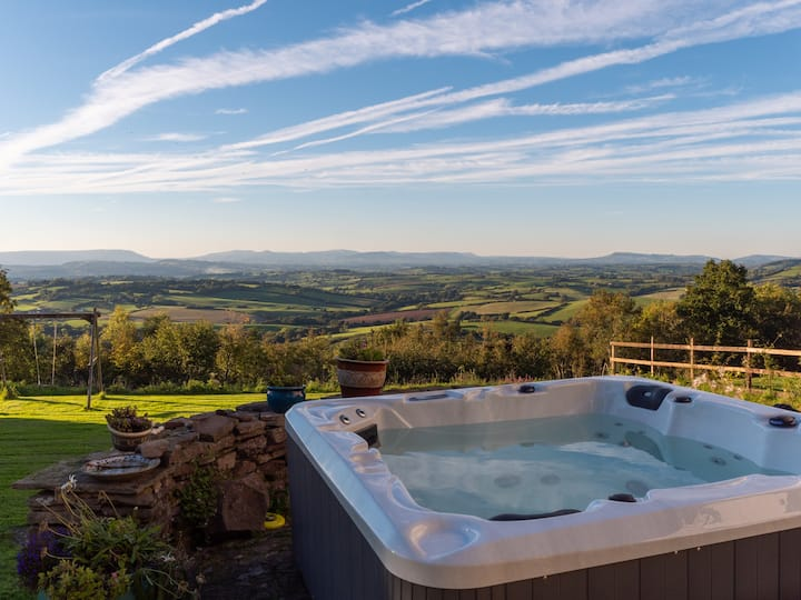 Dorlands Country House & Luxury Shepherds Hut