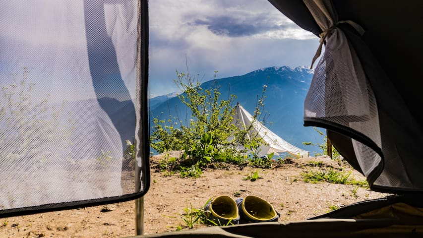 Footloose Camps: For idyllic Himalayan views