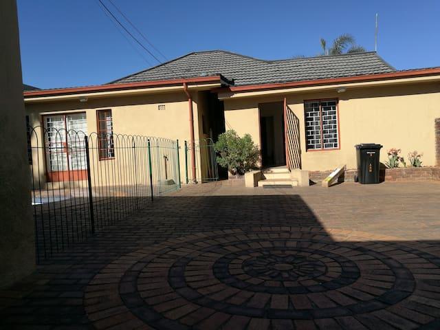 Naisar Holiday Home in Primrose, Johannesburg