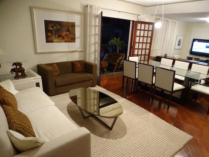 Apartamento Amplo em Campos.