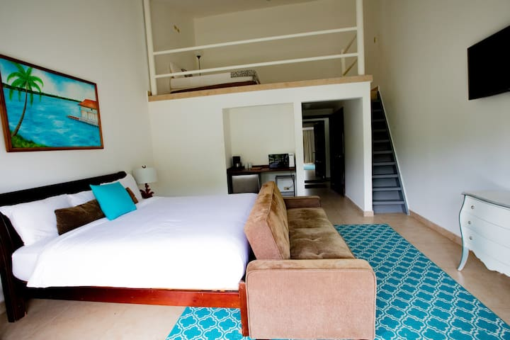 Private Loft | Sleeps 4 - 6