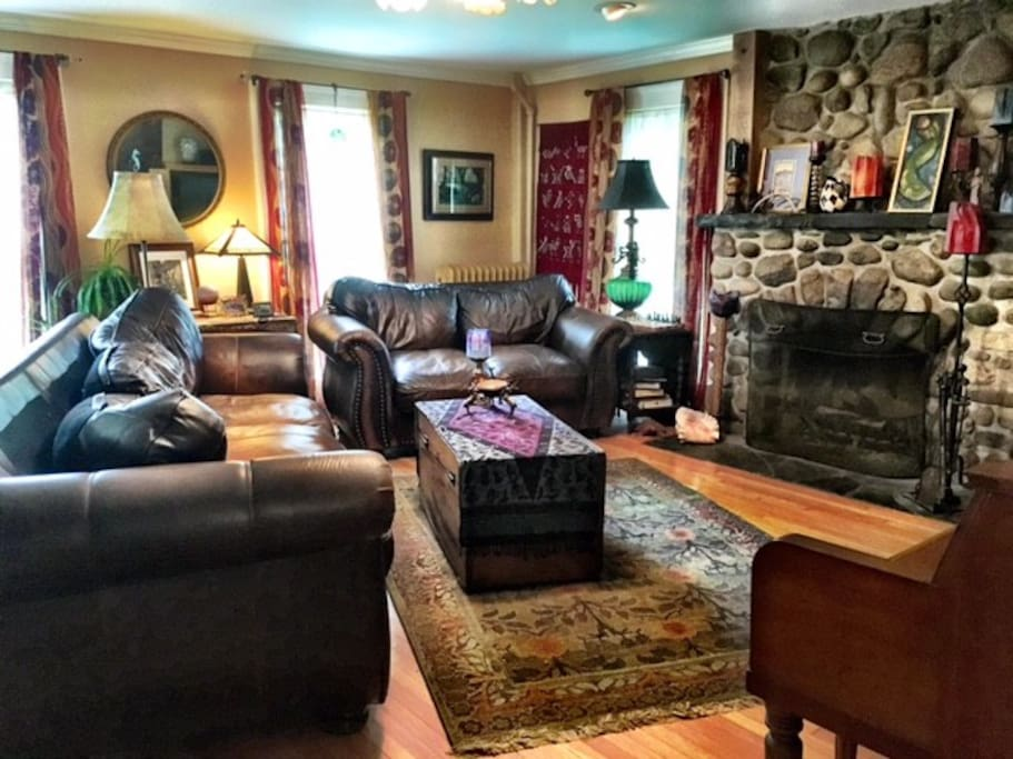 Sink into these cozy leather couches and relax...with a roaring fire, Netflix, Hulu, music or a very good book...