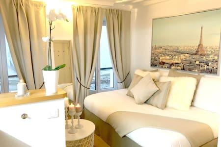 Tour Eiffel, Saint Germain des Prés, Montparnasse - Paris - Apartment