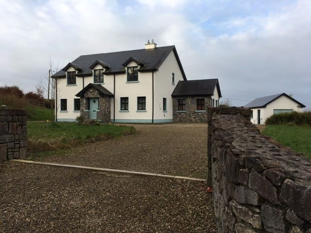 Rural Luxury in the Heart of Ireland's Wild West - Gort - House