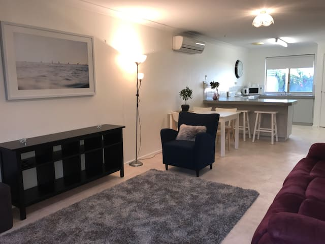Family friendly Australind villa - Australind - Villa