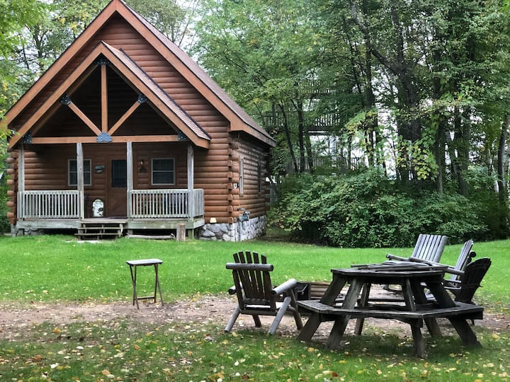 Ideally Located Log Home at Double JJ Resort