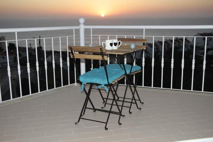Ericeira Sunset Apartment (100 m to the beach)