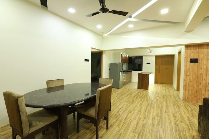 Luxury 5 Bedroom in Dadar near station