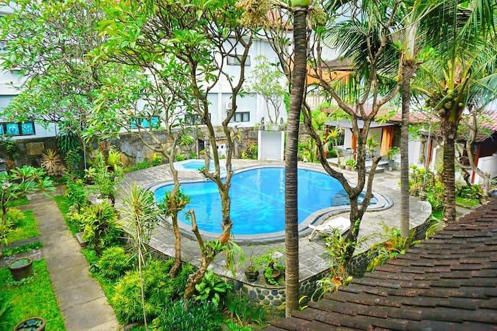 Warna Kedaton Hotel and  Meeting Denpasar