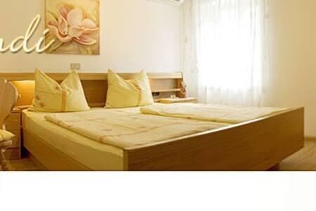 Doppelzimmer mit DU/WC/KLIMA/SAT-TV