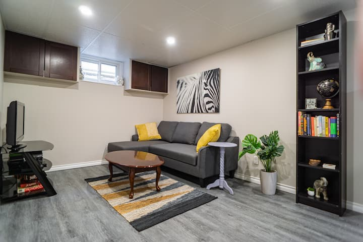 Modern apartment in the heart of downtown!