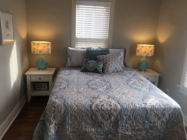 Quaint Comfy Gem in Heart of Tulsa