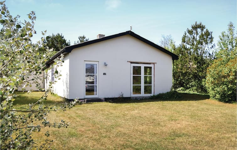 Holiday cottage with 2 bedrooms on 75m² in Nørre Nebel