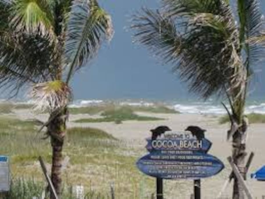 Downtown Cocoa Beach - Coconuts Restaurant Beach Access