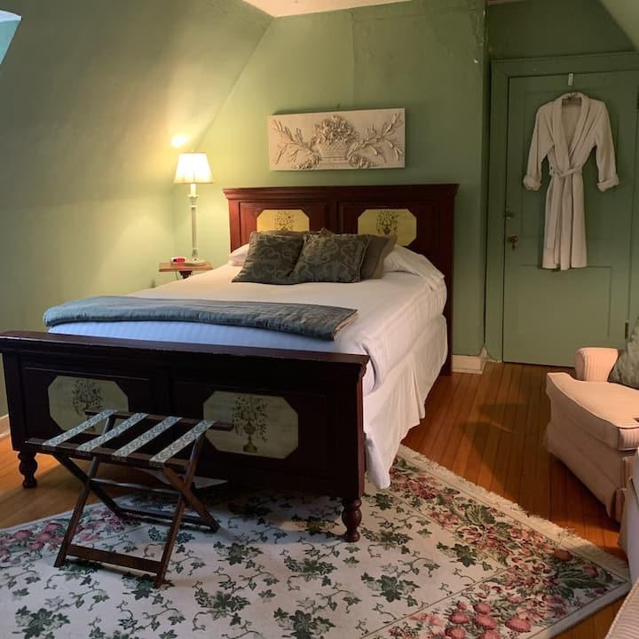 Longacre - Mint Room 1 Queen