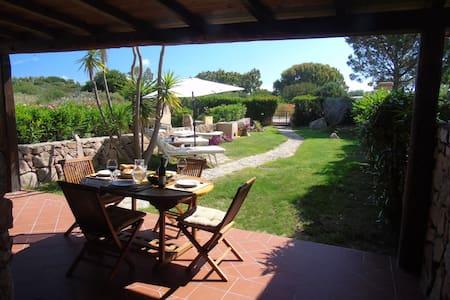 Casa Luisinio, 3 Zimmer grosse Terrasse und Garten - Porto Pollo - 公寓