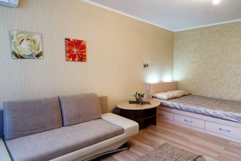 2 х спальная кровать с подсветкой
