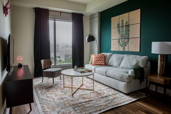 Luxe 1BR in Downtown Austin #1507 by WanderJaunt